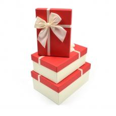 Set 3 cutii dreptunghiulare cu funda mare si panglica subtire crem cu rosu